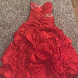 Dresses & Skirts - Red Ball Gown ❤️🌹